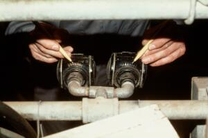 view Milking cows: pulsator air inlet ports