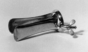 view Two-bladed obststric speculum, Weiss