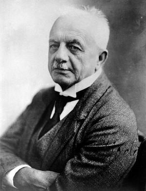 view Albrecht Eduard Bernhard Nocht. Photograph.
