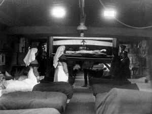 view World War I: hospital beds