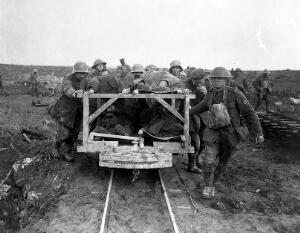 view World War One: transport of the wounded.