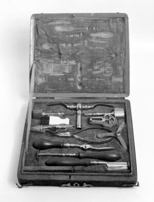 view Case of instruments for trephination; English.