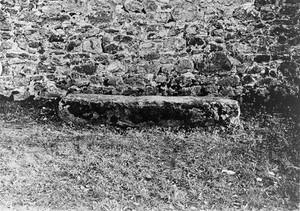 view Mortsafe at Inverurie graveyard, Aberdeenshire.
