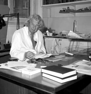 view John Young in his room at the Wellcome Institute, London