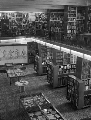 view Photograph of the Wellcome institute library, 1982