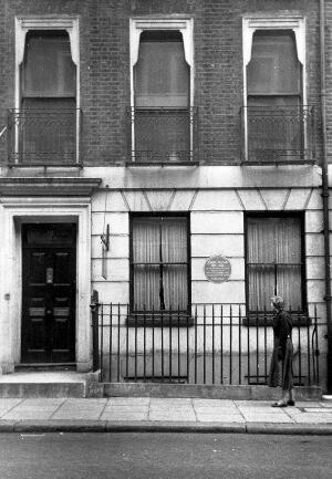 view John Snow: his residence at 18 Sackville Street, London, showing the plaque in his honour. Photograph.