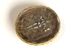 view Mourning brooche containing the hair of a deceased relative.