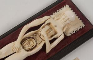 view Anatomical model of a pregnant female