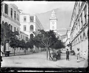 view Peddar Street, Hong Kong. Photograph by John Thomson, 1868/1871.