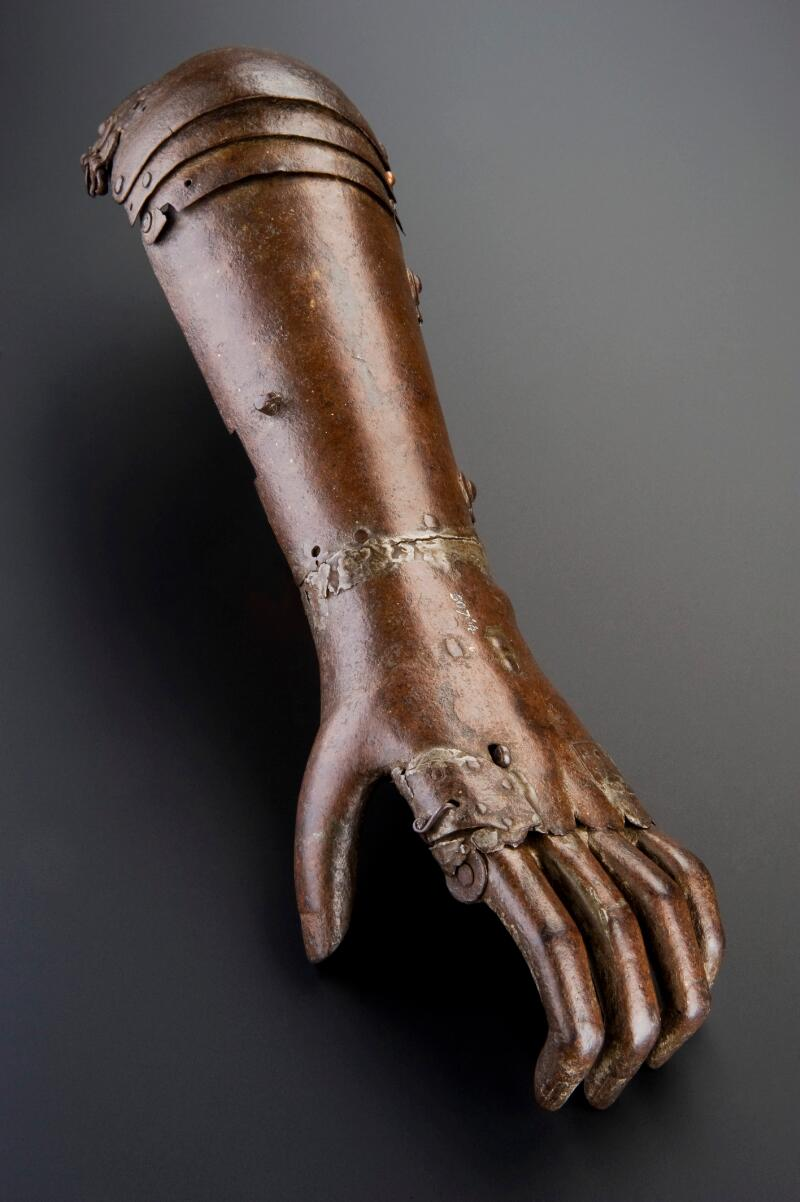 Iron artificial arm, Europe, 1560-1600 | Wellcome Collection
