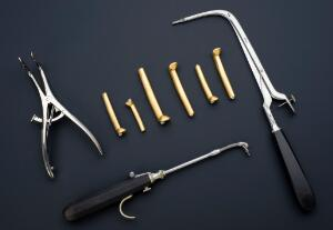 view O'Dwyer-type intubation set, France, 1882-1900