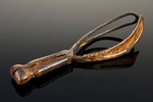 view Smellie-type obstetrical forceps, United Kingdom, 1740-1760