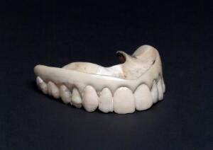 view Upper ivory denture with human teeth, England, 1801-1860