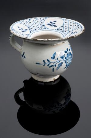 view Spittoon, England, 1660-1760