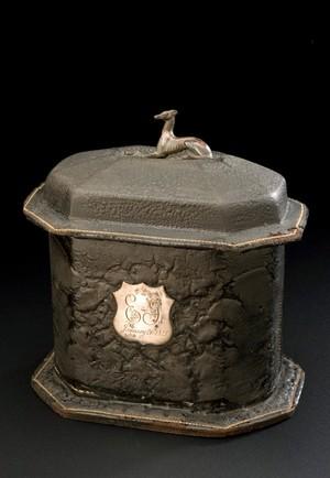 view Edward Jenner's tobacco box, Europe, 1820-1821