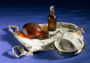 view Portable anaesthetic kit, Germany, 1914-1918