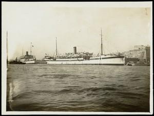 view World War One: a ship in Malta. Photograph, 1914/1918.