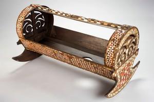 view Rocking cradle, Japan, 1701-1850