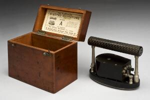 view Hodgkinson's Electro-Neurotone Apparatus, English, 1920-1930
