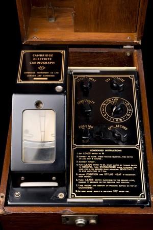 view Phonocardiograph, Cambridge, England, 1921-1929