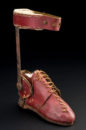 view Lord Byron's orthopaedic boot, England, 1781-1810