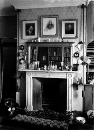 view Charles Darwin's house