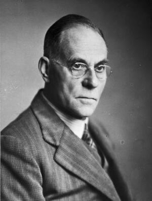 view Portrait of Leonard Colebrook