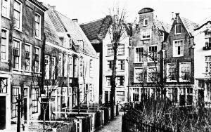 view The Beguinage at Amsterdam as it is today.