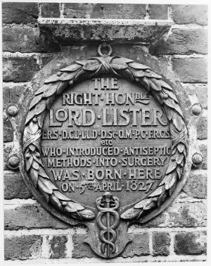 view Plaque at Upton House, birthplace of Joseph Lister.