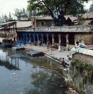 view Nepal; Kathmandu Valley, Pashupatinath, 1986