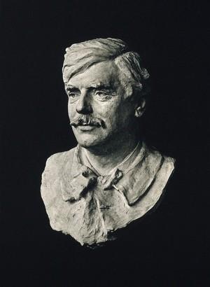 view Edouard Brissaud. Photograph of sculpted bust.