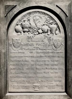 view Henri Fialon: memorial plaque, 1918. Photograph.