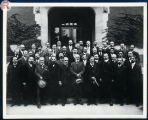 view Psychologists and psychiatrists. Photograph.