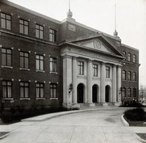 view Philadelphia College of Pharmacy and Science: main entrance. Photograph, c. 1933.