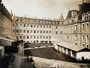 view Military Hospital V.R. 76, Ris-Orangis, France: Lycée Pasteur in Neuilly. Photograph, 1916.