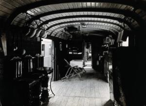 view A Swiss hospital train, World War I: interior view of a converted goods train, used to transport severely wounded prisoners of war. Photograph, 1914/1918.