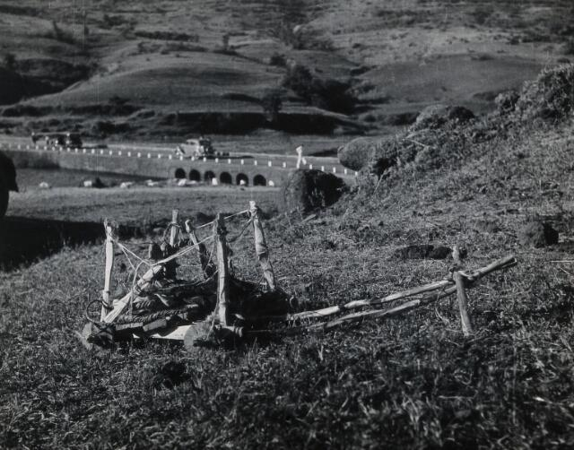 Bhandardara, India: a cart bearing the belongings of the deceased victim of an infectious disease, placed in a remote spot: a custom aimed at preventing a disease epidemic. Photograph by J.B. Greaves, 1936.