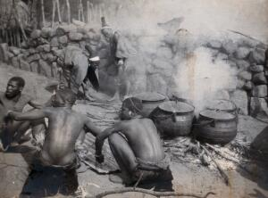 view South Africa: African people at Chief Latumba's kraal near Zwarkop. Photograph by Ernest Maylard, 1905.