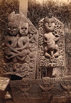 view New Zealand: Maori carvings. Albumen print.