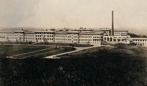 view Hamburg sanatorium, Pennsylvania. Photographic postcard, ca. 1930.